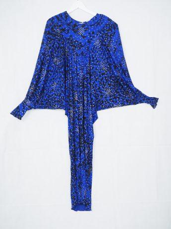 model-blue-dress