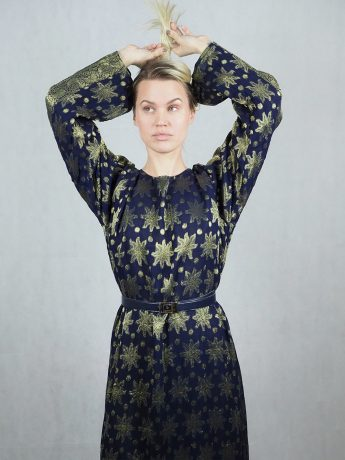 model-dress-patterned