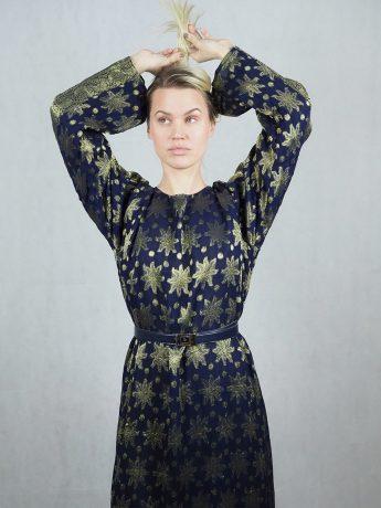 model-dress-patterned