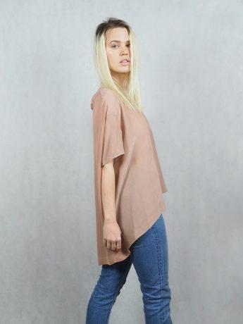 model-top-pink